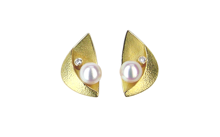 07300-earrings, gold 750, with pearls and brilliants