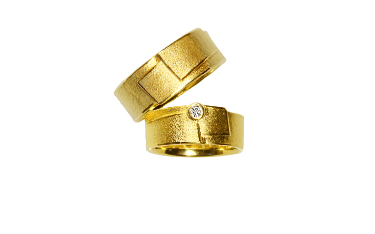 05004+05005-wedding rings, gold 750 and a brillant